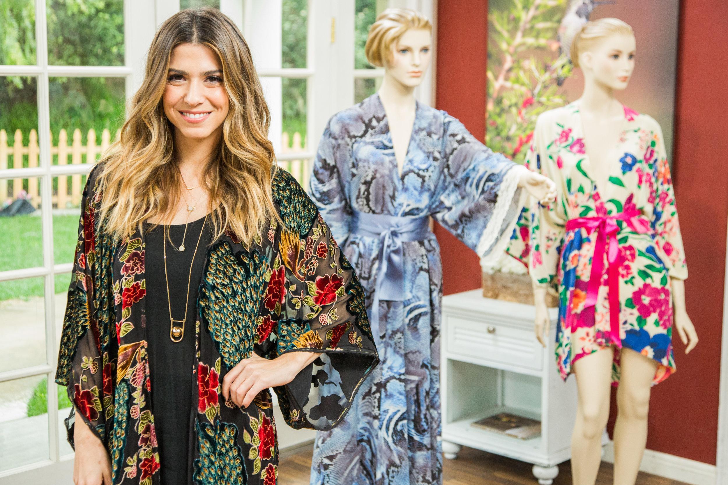How To Orly Shani S Kimono Robe Home Family