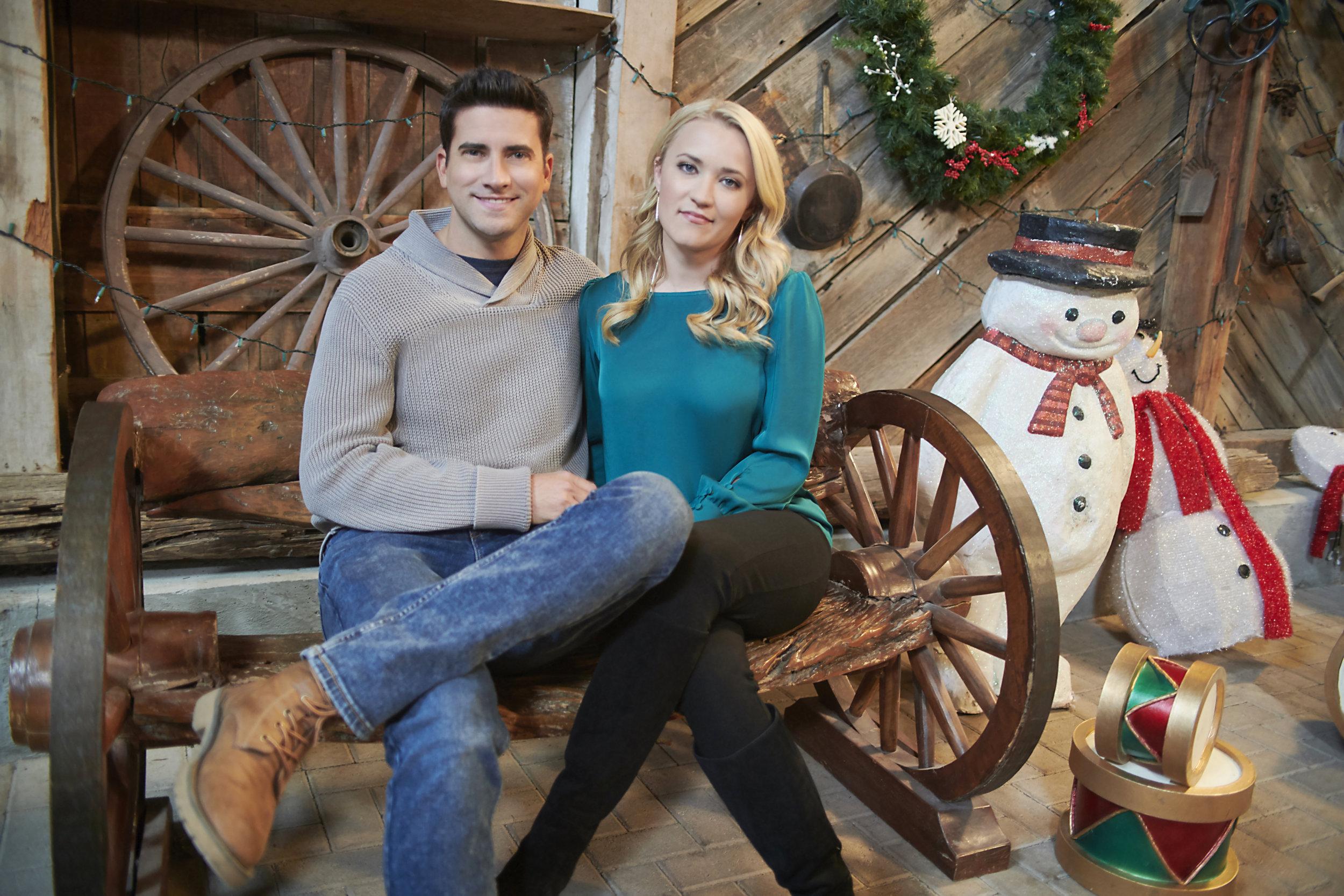 Cast Of 2020  Christmas Wonderland Christmas Wonderland   About
