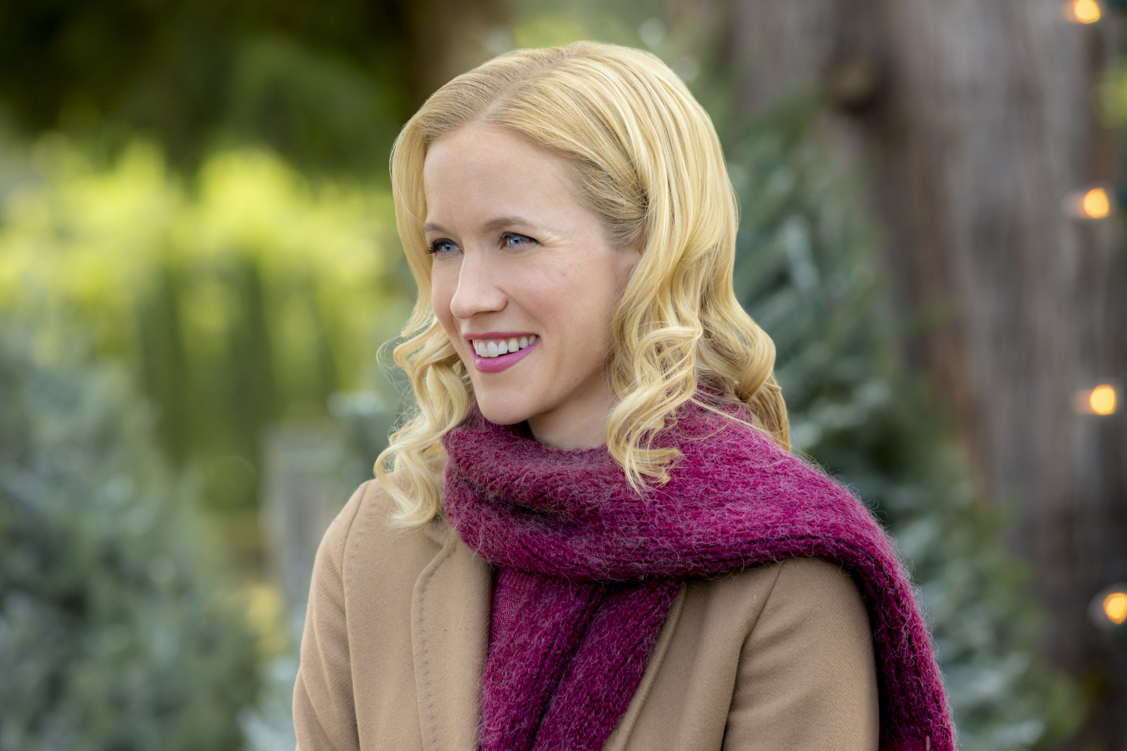 Cast Of Road To Christmas  2020 Jessy Schram as Maggie Baker on Road to Christmas