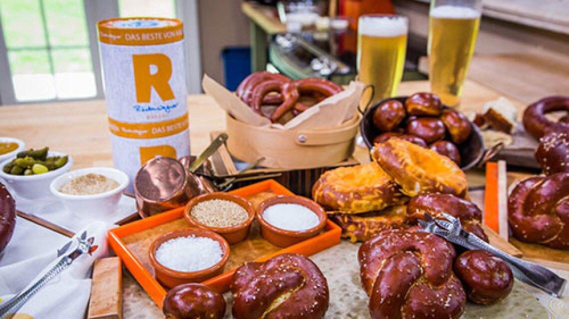 hf-ep2174-product-pretzels.jpg