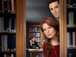 Aurora Teagarden Mysteries: Dead Over Heels