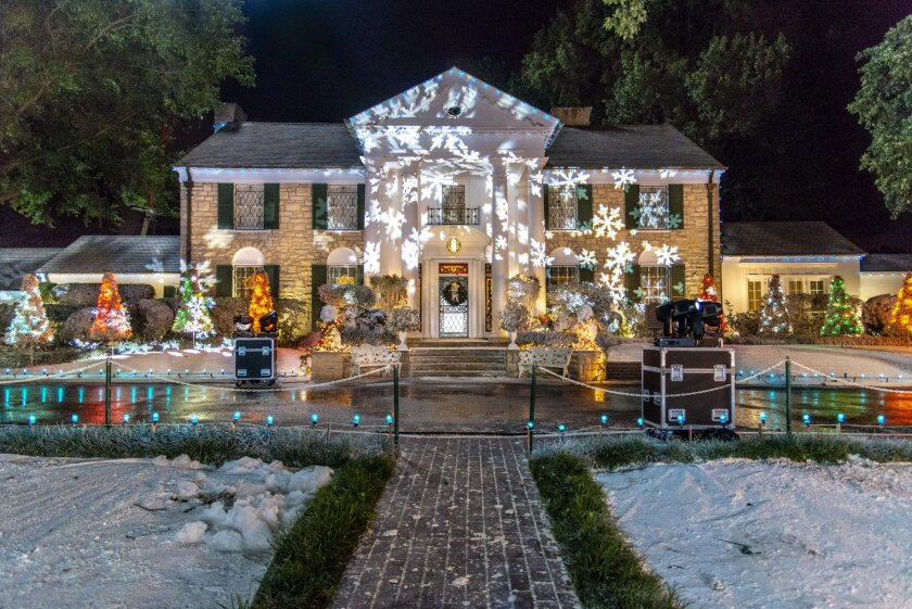 Set Photos from Christmas at Graceland - 16