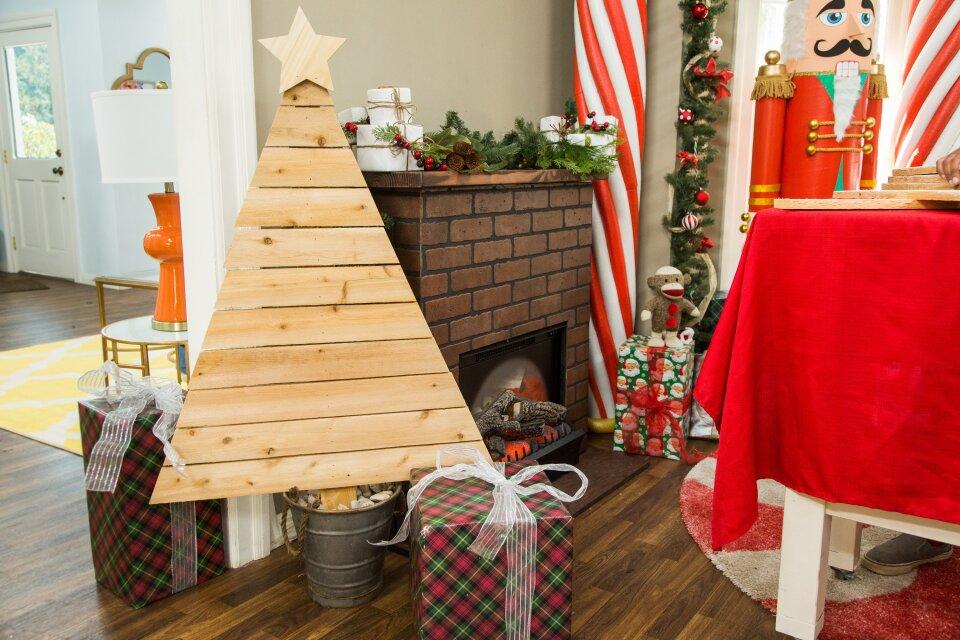 DIY Wooden Christmas Tree