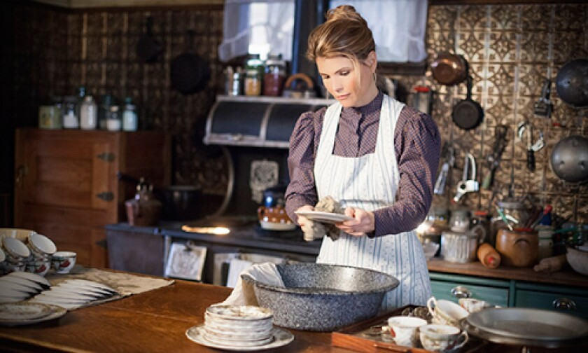 WhenCallsTheHeart_Ep-Guide_1008_3