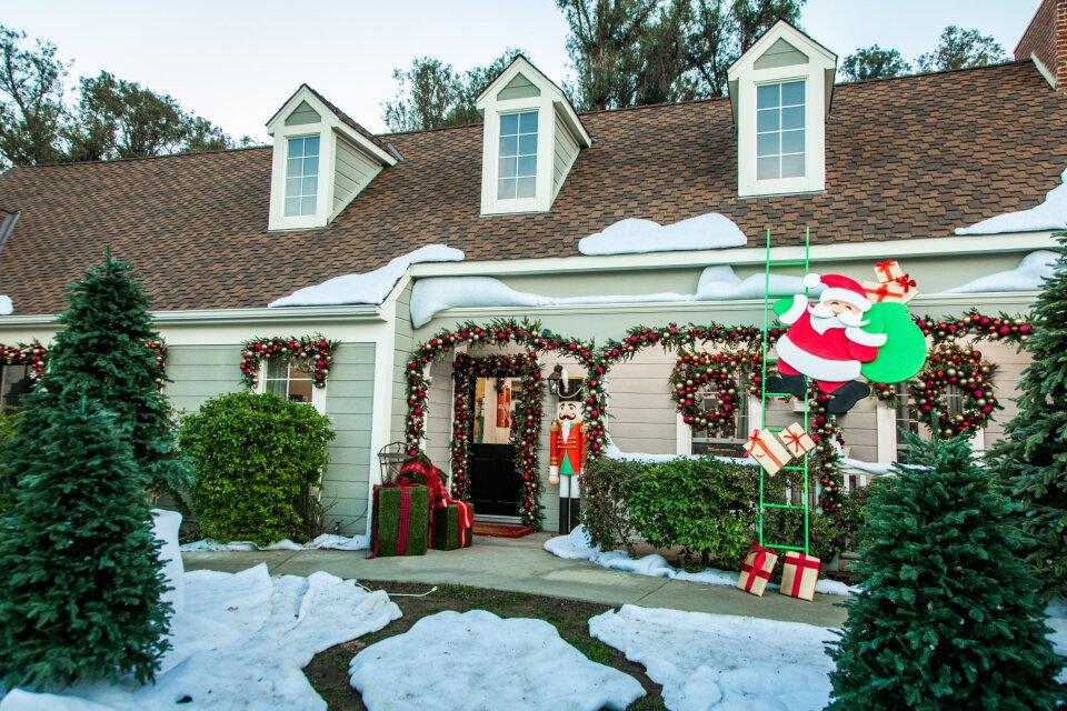 Tips for Outdoor Christmas Lighting