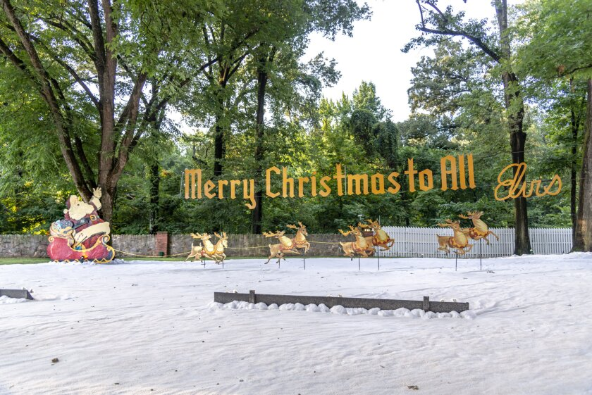 Set Photos from Christmas at Graceland - 12