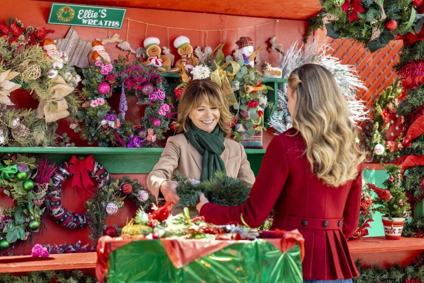 Photos from Christmas in Love - 7
