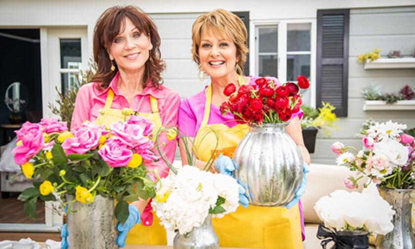 Image: http://images.crownmediadev.com/episodes/Medias/RichText/H&F-Ep1157-Segment-Mercury-Glass-Vases.jpg