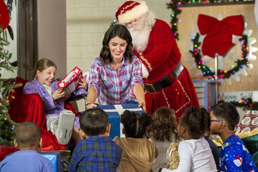 Christmas_Inc_0211r