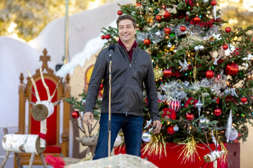 Photos from Christmas in Love - 4