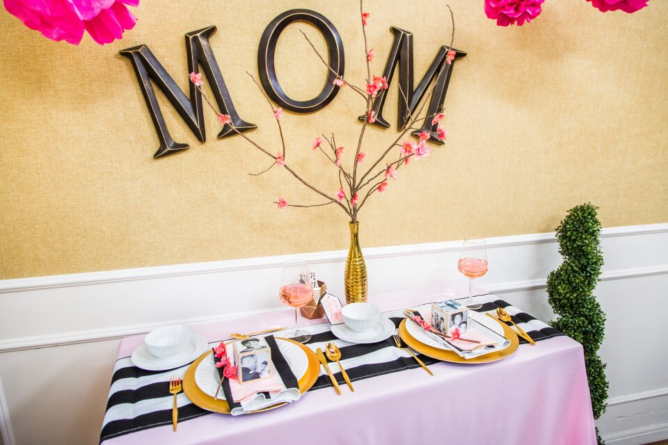 DIY Mother's Day Tablescapes