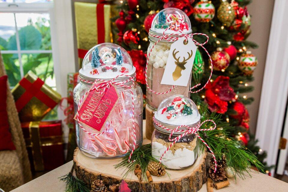 Paige Hemmis DIY Mason Jar Lid Snow Globe