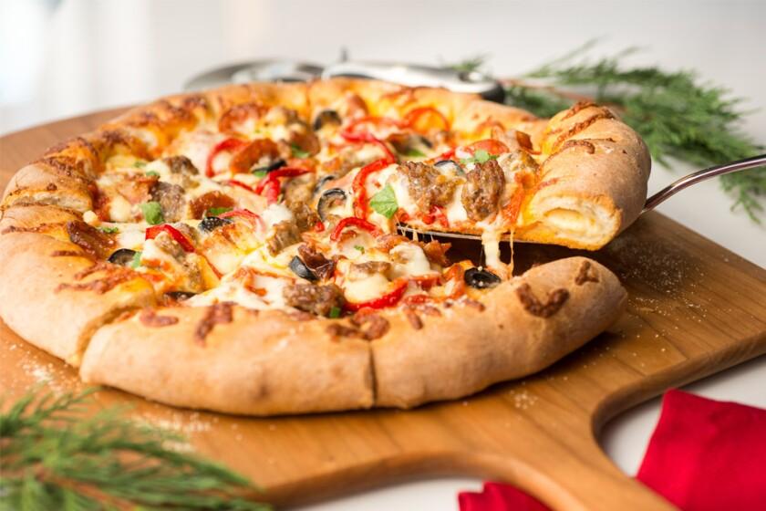 ATimelessXmas-pizza-1000x627.jpg
