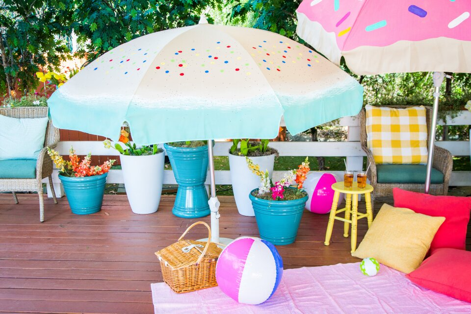 DIY Beach/Picnic Umbrellas