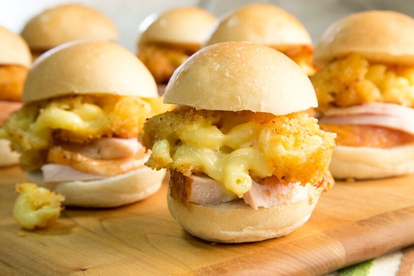 Turkey Sliders with Mac and Cheese.jpg