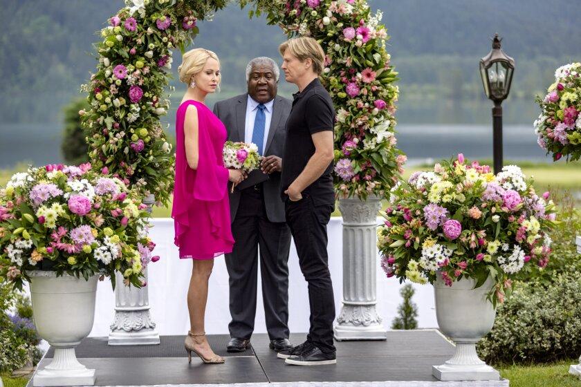 Josie Bissett and Jack Wagner in the romance Hallmark movie The Wedding March