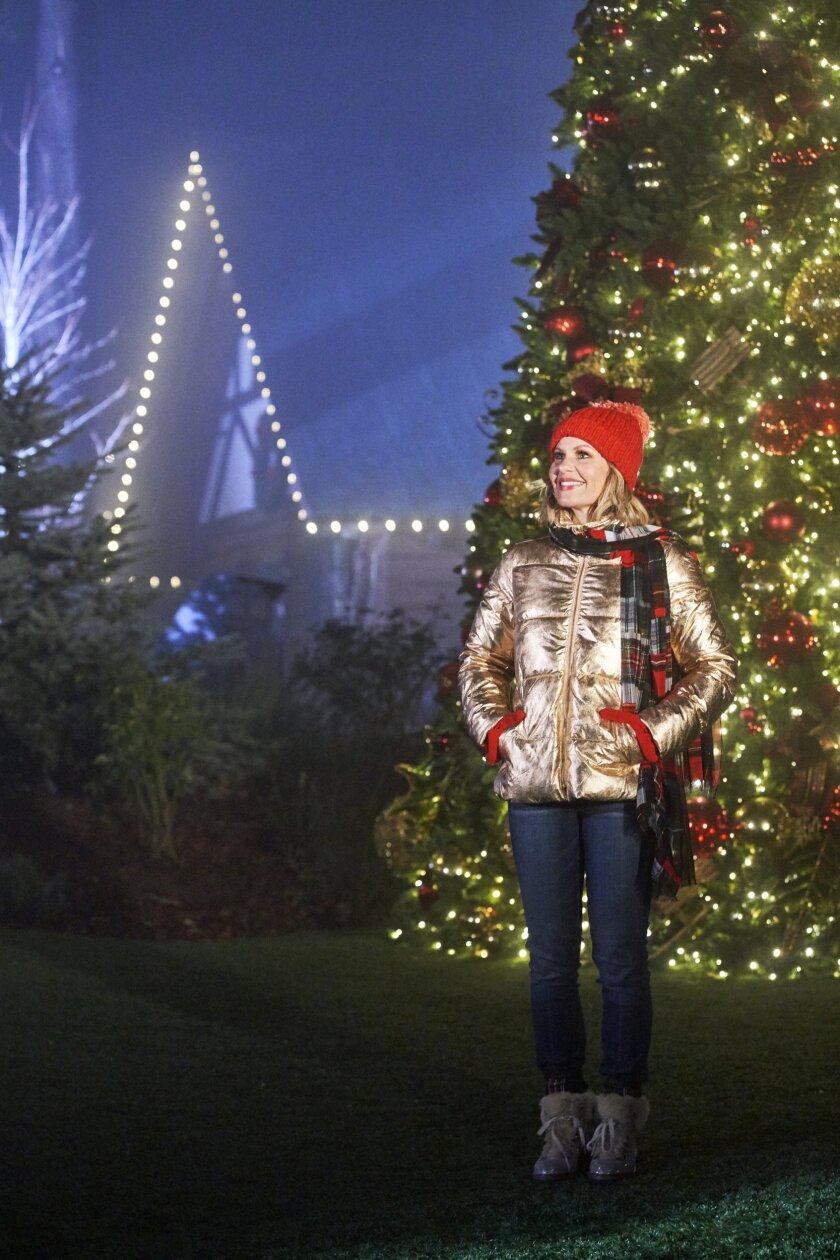 Candace Cameron Bure's Christmas Across America - Photos - 5
