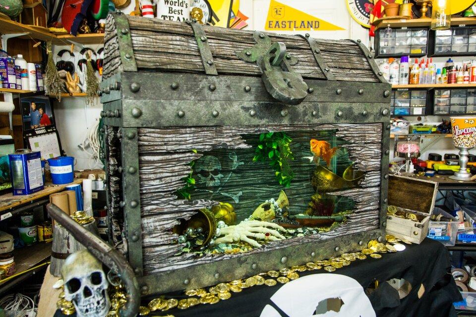 DIY Treasure Chest Fish Tank