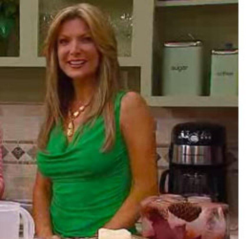Image: http://images.crownmediadev.com/episodes/Medias/RichText/jennifer-farrell-segment-Ep016.jpg