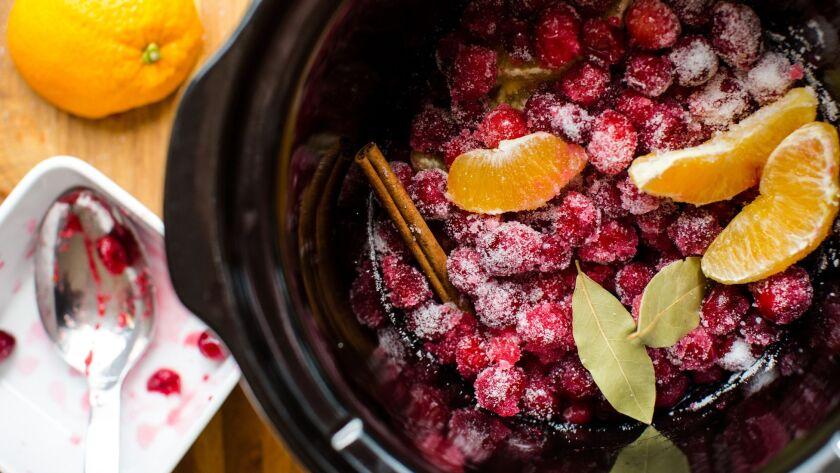 slow_cooker_cranberry_sauce1.jpg