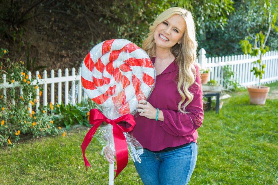 DIY Peppermint Lawn Lollipops