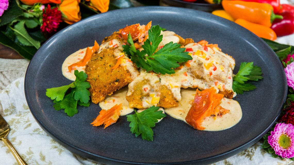 Toya Boudy - Fried Ravioli with Sweet Pepper Cream and Smoked Salmon