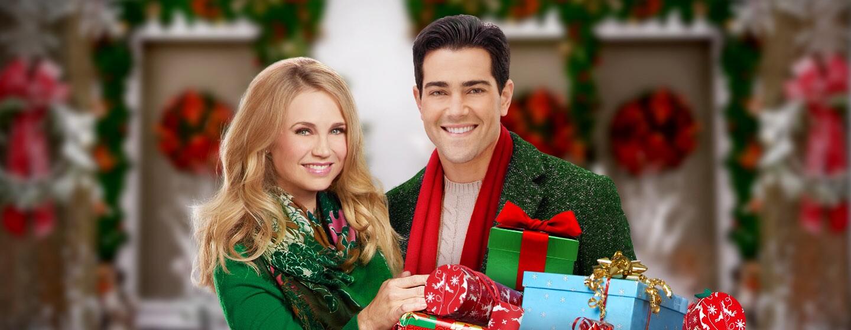 ChristmasNextDoor_1440x560_noBug.jpg