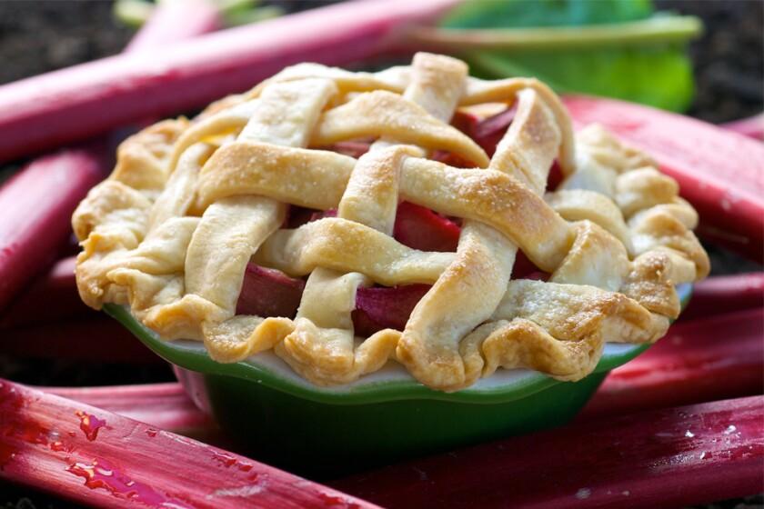 Mini-Rhubarb-Pies-1000x667.jpg