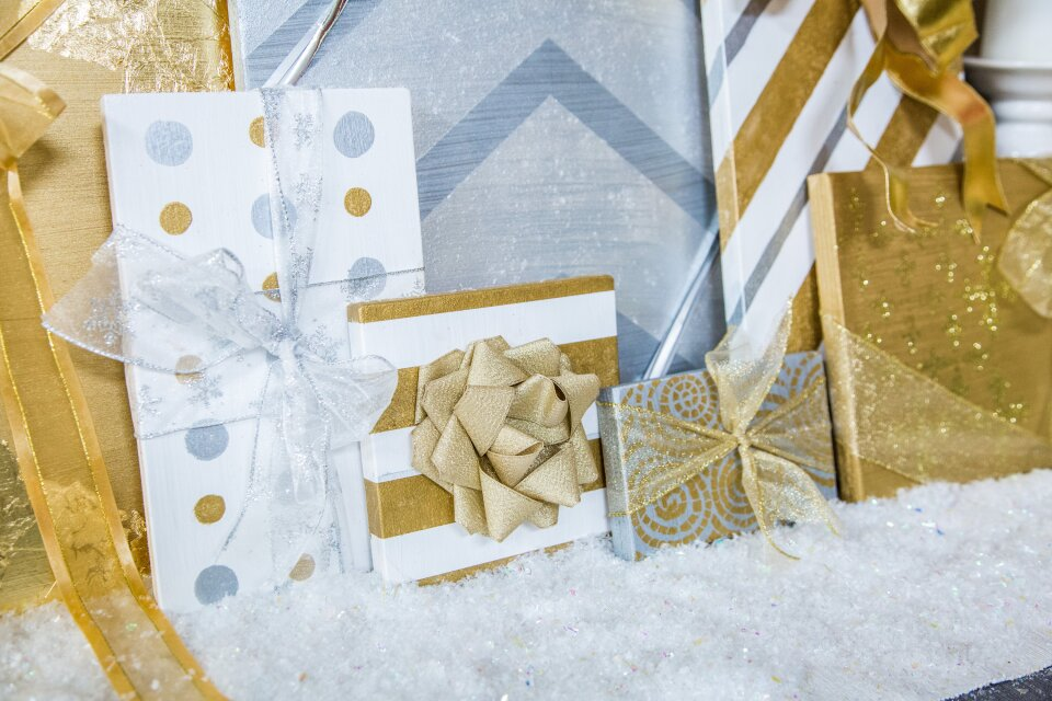 DIY Mantle Christmas Presents