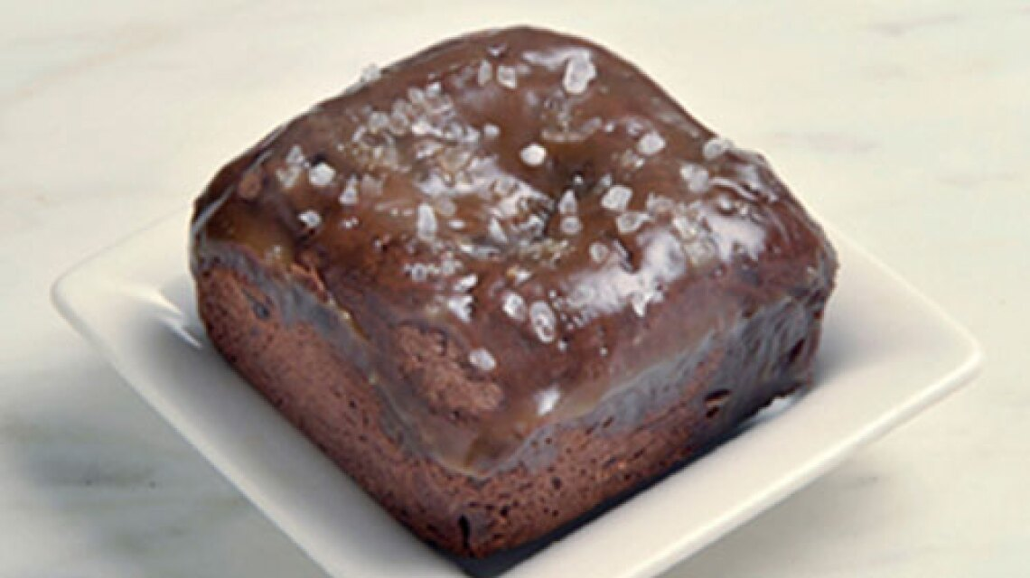 hf-ep1201-product-beverly-hills-brownie-3.jpg