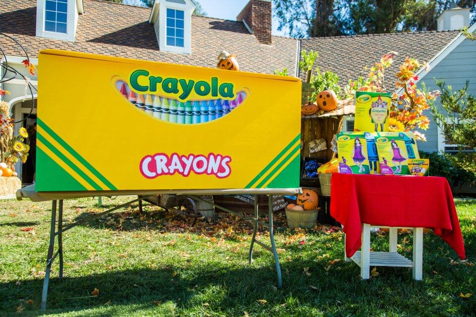 DIY Family Crayon Costume