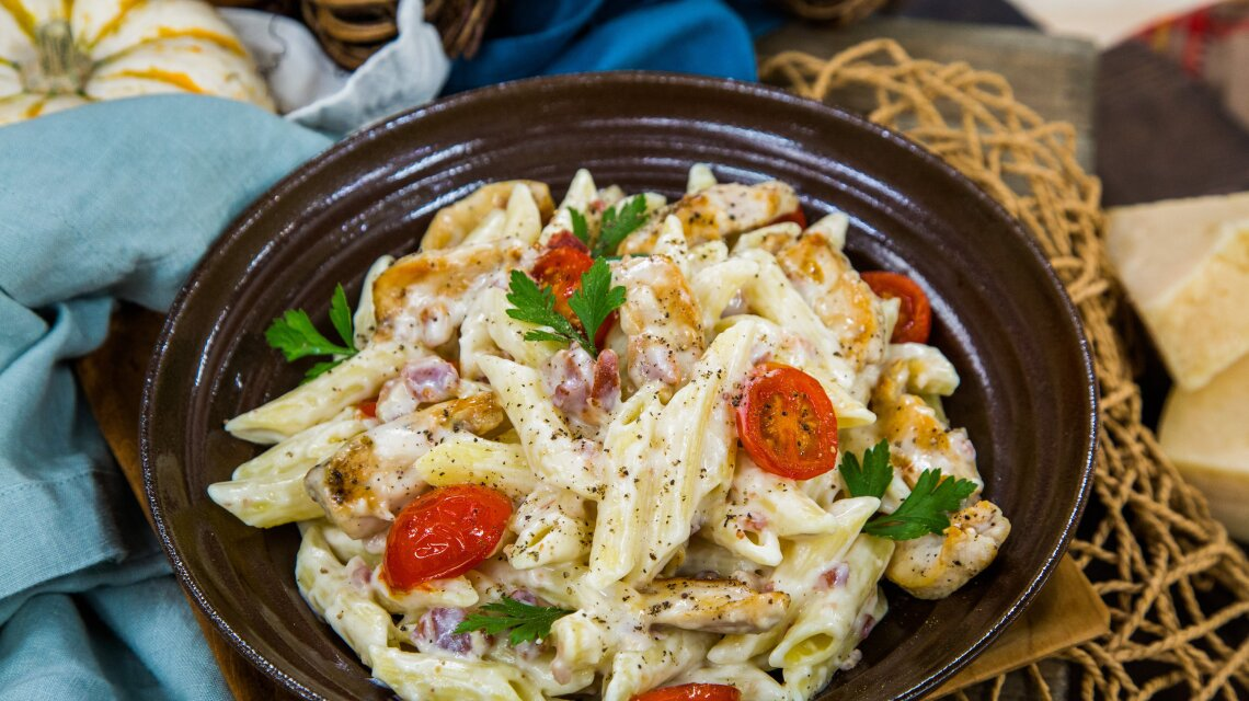 Creamy Applewood Bacon Pasta with Seared Chicken and Tomatoes