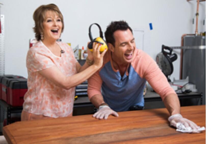 Image: http://images.crownmediadev.com/episodes/Medias/RichText/segment-diy-coffee-table-ep1106.jpg