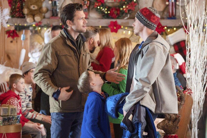 ChristmasScavengerHunt_06992_RT.jpg