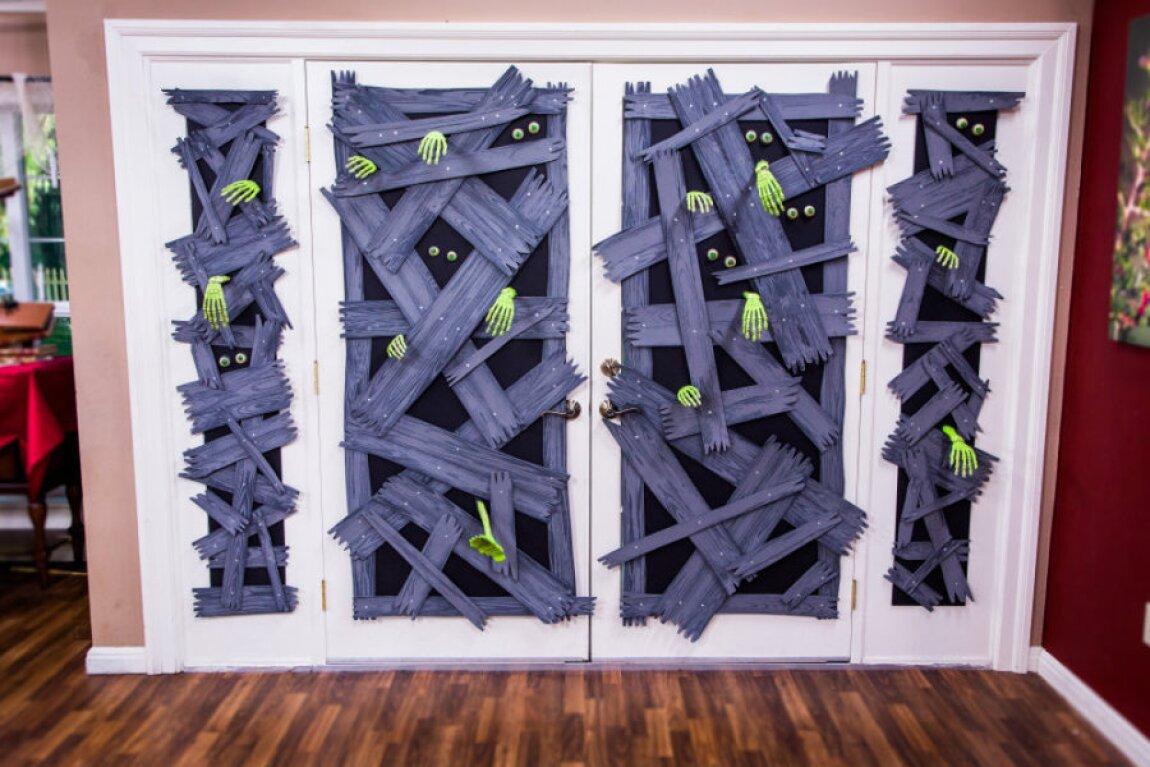 DIY Zombie Window Halloween Decoration with Mark Steines