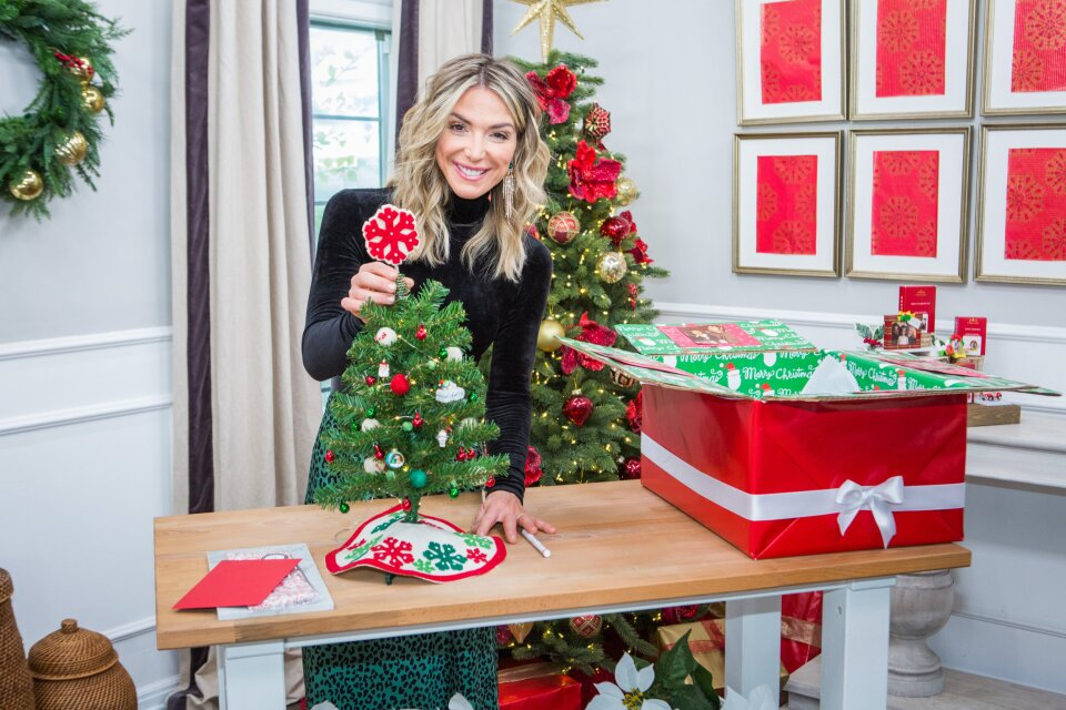 Home and Family 9062 Final Photo Assets