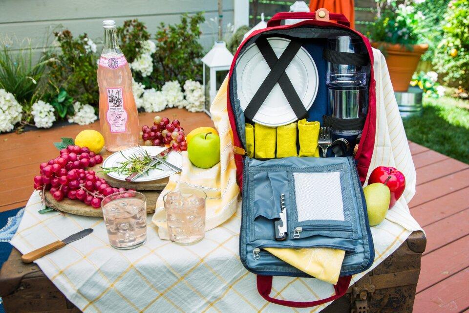 hf6195-product-picnic.jpg