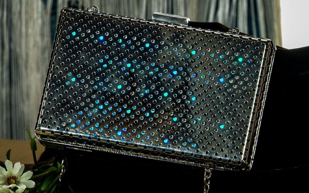 hf4124-product-purse.jpg