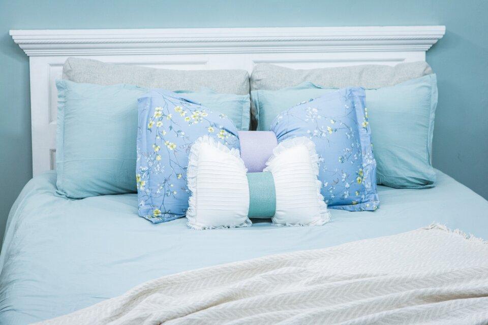 hf7135-product-pillow.jpg