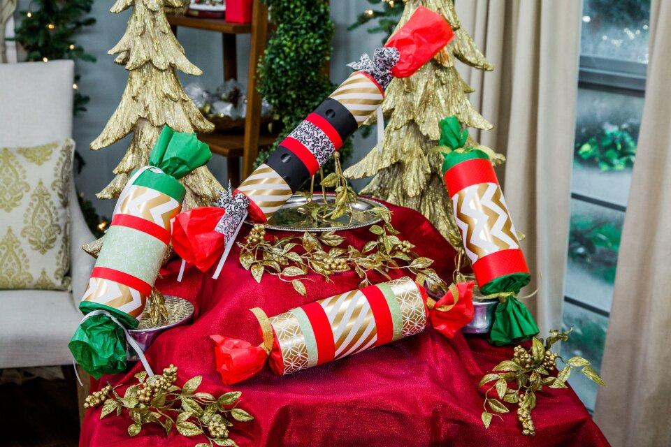 DIY Giant Christmas Crackers