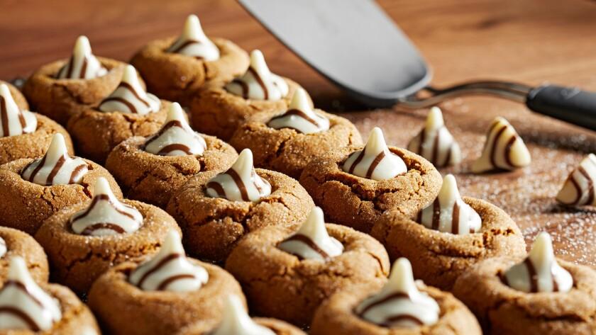 White_Chocolate_Kissed_Gingerbread_Cookies_030.jpg