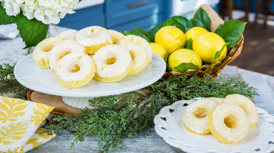 Catherine McCord - Lemon Pound Cake Mini Doughnuts