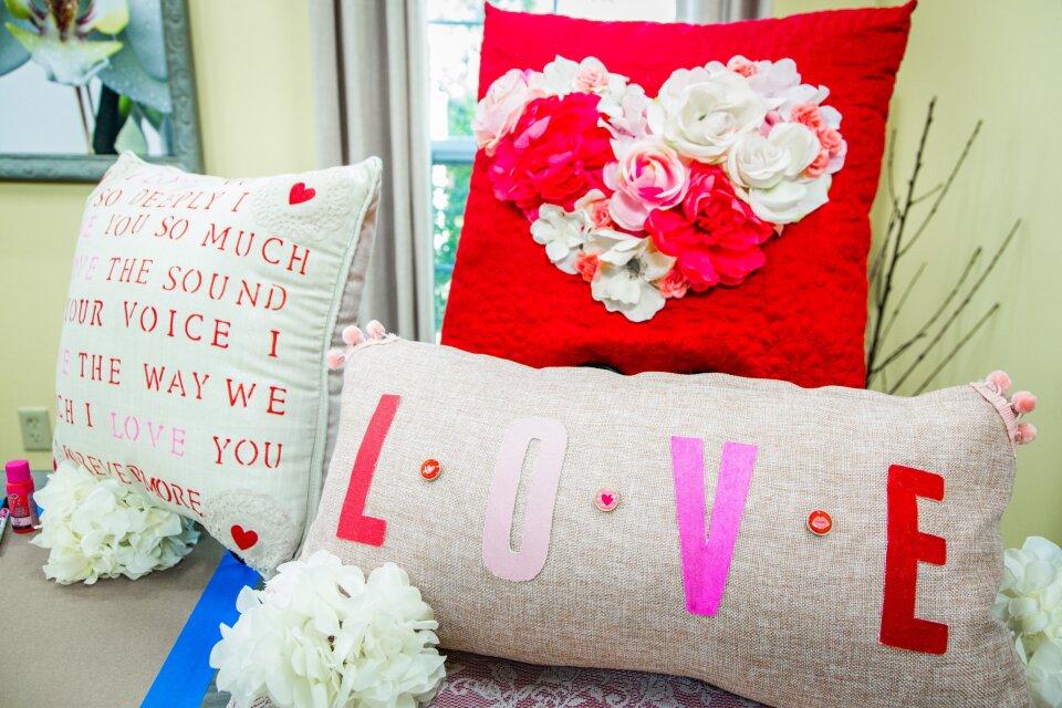 hf4097-product-pillows.jpg