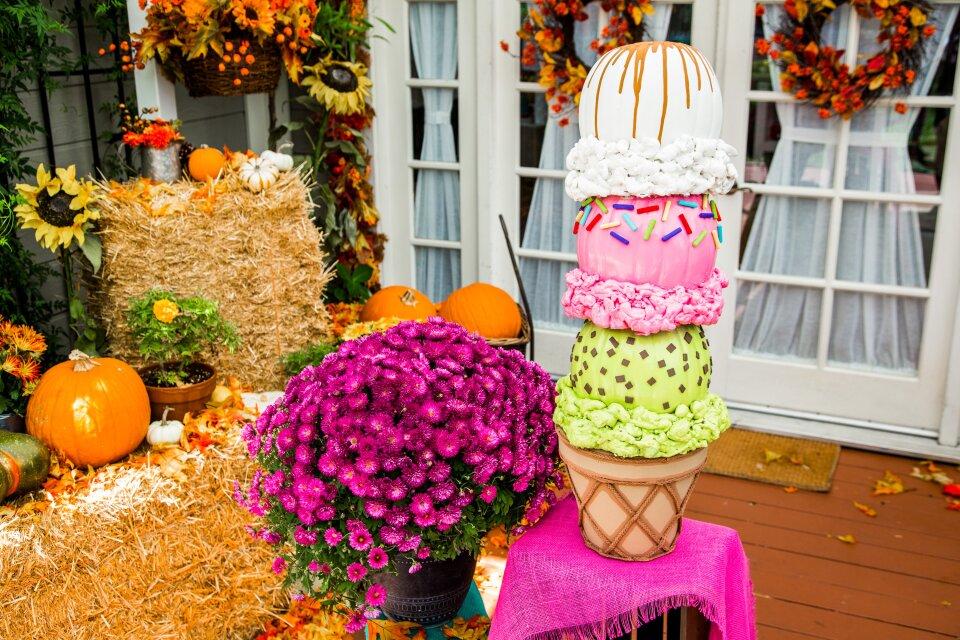 DIY Pumpkin Ice Cream Topiary