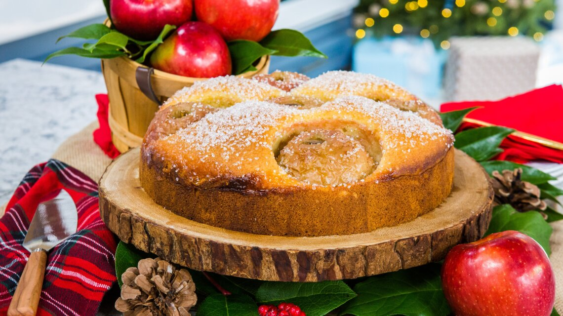 Chadwick Boyd - Apple Ornament Cake