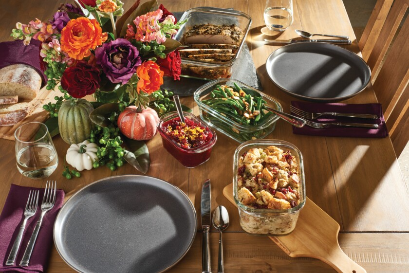 SAP-rubbermaid-food-storage-brilliance-glass-clear-assorted-thanksgiving-with-food-high-angle-lifestyle.jpg