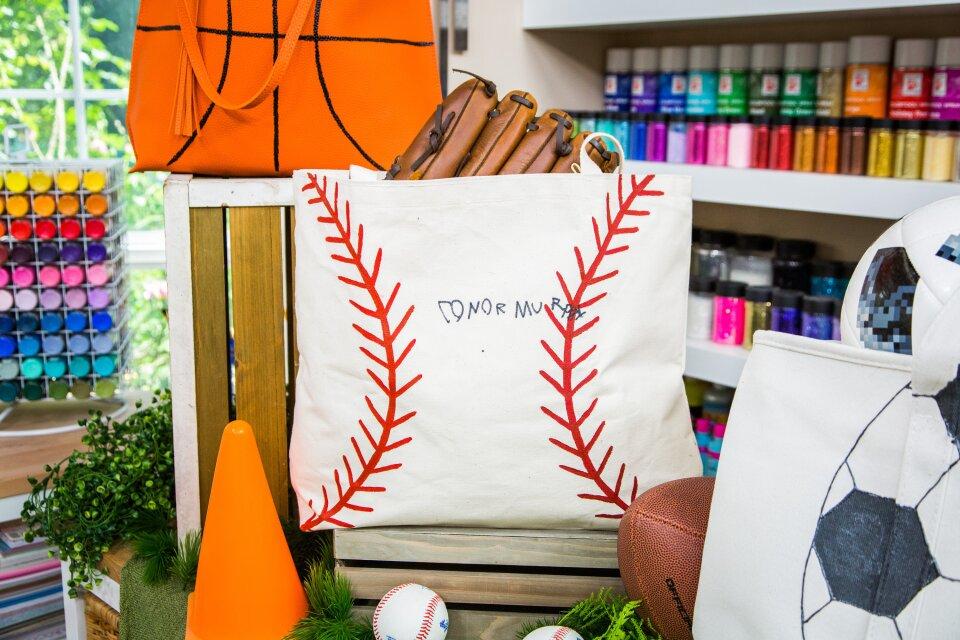 hf7159-product-bags.jpg