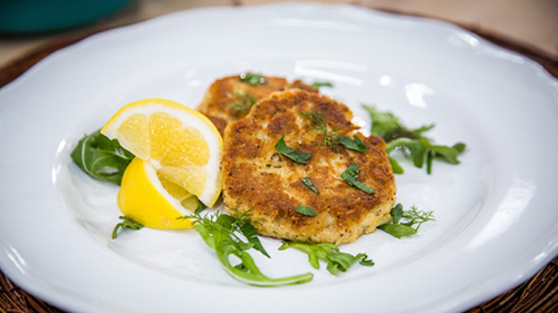 h-f-ep1139-product-braxton-family-crab-cakes.jpg