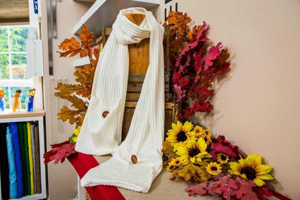 hf7017-product-scarf.jpg