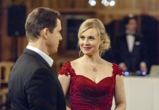 Preview - Signed, Sealed, Delivered: To the Altar